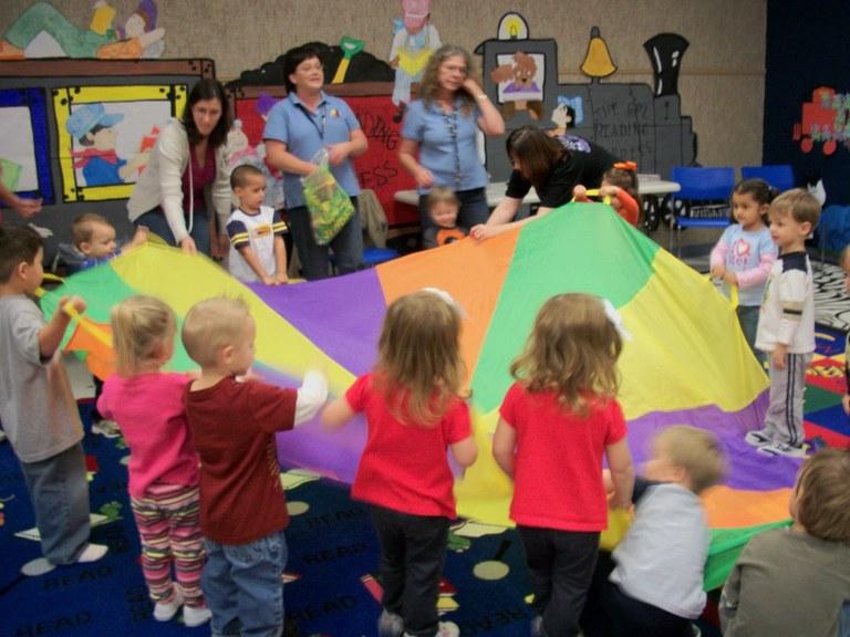 Cuddlebug parachute game