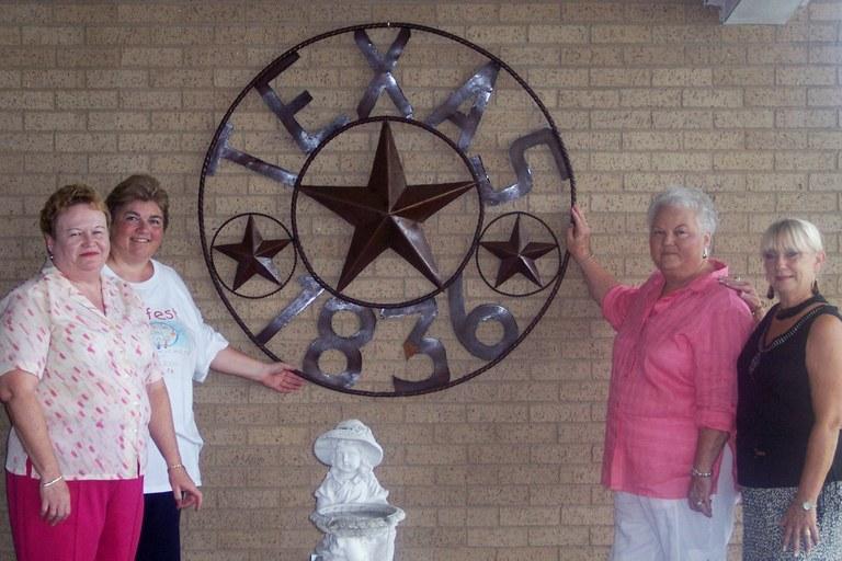 Friends Texas gift