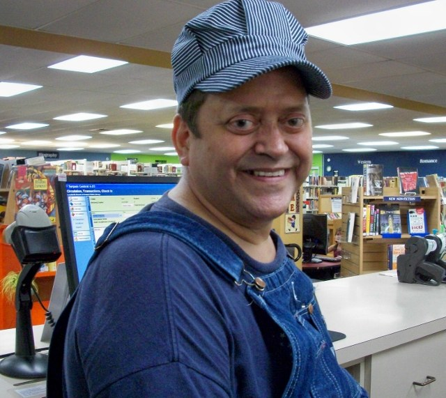 gpl bobby hanks 2010 in railroad hat and smiling 2010 (640x571).jpg